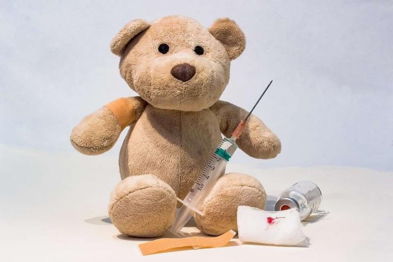 八个月宝宝打完预防针发烧怎么办什么情况下不能打针