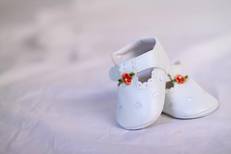 婴儿有白色斑怎么回事婴儿有白色斑怎么办